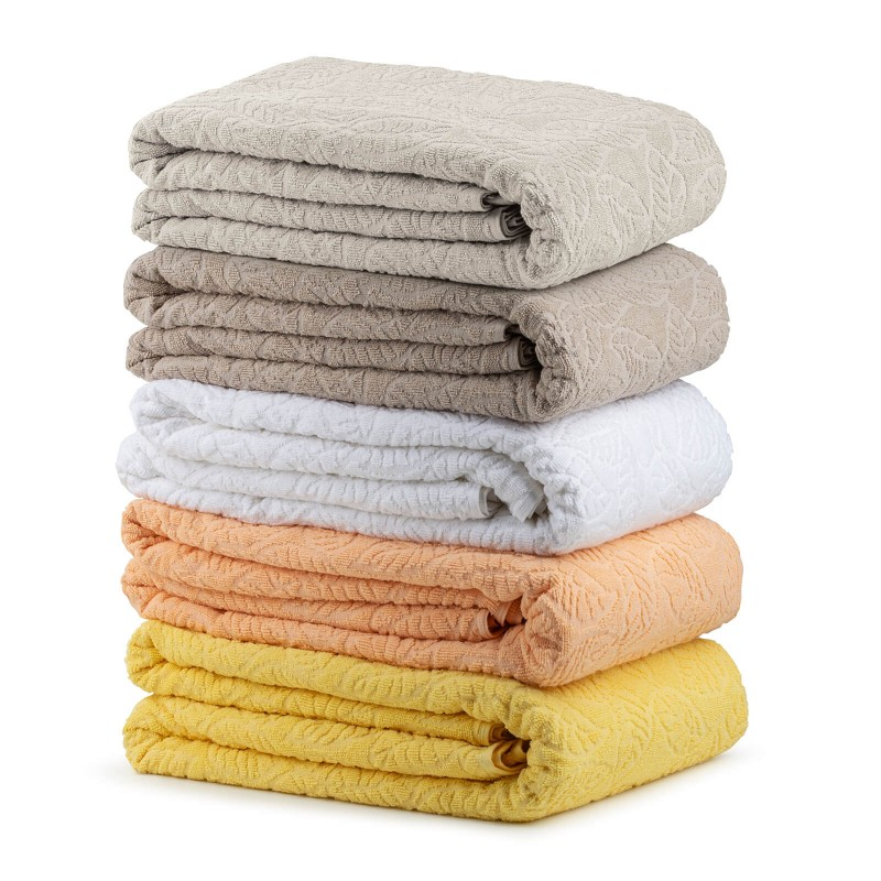 Praktični višenamenski pokrivač možete koristiti u spavaćoj sobi da zaštitite jorgane i jastuke od prašine i prljavštine. U toplim mesecima može se koristiti kao pokrivač. U dnevnoj sobi zaštitite krevet ili se ogrnite pokrivačem dok gledate televiziju. Na odmoru ili putovanju koristite ga kao podlogu za plažu, prekrivač za ležajku ili pokrivač u šatoru. Periv je na 60 °C.