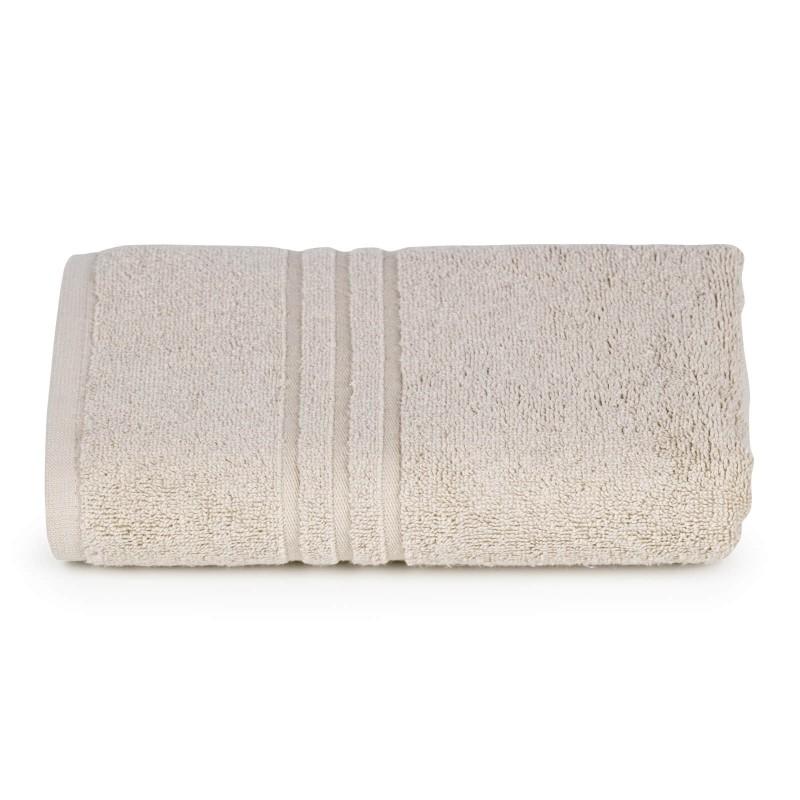 Peškir od mekanog i upijajućeg 100% pamuka. Klasični jednobojni peškiri, jednostavnog izgleda. Braon boja.