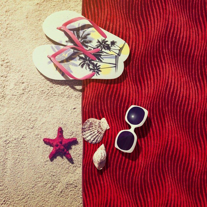 Iskusite luksuznu udobnost i letnji mir na svakom koraku! Moderan peškir neophodan je na plaži, bazenu ili sauni. Kvalitetan peškir za plažu Svilanit Fish odlikuje samo najbolja 100 % pamučna, izuzetno glatka i gusta tkanina. Dvostrani peškir osigurava baršunast i mekan dodir. Izuzetna izdržljivost, upijanje i brzo sušenje omogućava dugotrajno korišćenje peškira. Peškir se može prati na 60 °C.