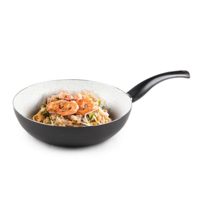 Vok Eco Cook prečnika 28 cm, sa nelepljivim glatkim mineralnim premazom, pruža prirodan način kuvanja, sa vrlo malo masnoće. Hrana na taj način zadržava  sve vitamine i minerale, koji su našem telu potrebni za zdrav način života. Pogodan za sve površine za kuvanje, uključujući indukcionu. Lako se čisti i može se oprati i u mašini za pranje sudova. Sve posude iz linije Eco Cook temelje se na višeslojnom sastavu, čime je zagarantovan dug vek trajanja i visok stepen otpornosti i izdržljivosti.