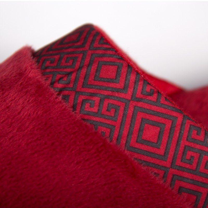 Ženske kućne papuče SoftTouch su izuzetno mekane i udobne. Dostupne u više veličina. Crvena boja.