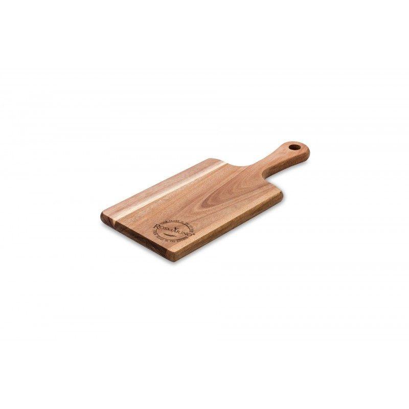 Daska za sečenje od drveta akacije. Prirodan izgled drveta akacije i dizajn koji deluje otmeno, vašoj kuhinji daje poseban izgled. Dimenzija: 38 x 15,5 x 1,8 cm. Veća daska od bagrema Rosmarino je nezamenljiva za upotrebu u kućnoj kuhinji. Izrađena je od prirodnog akacijevog drveta koje postaje sve popularnije u domaćinstvu zbog svoje trajnosti i čvrstoće. Drvo akacije smatra se vrlo izdržljivim, čvrstim materijalom sa dugim životnim vekom. Zlatno je smeđe ili žuto-smeđe boje, elastičan i vrlo fleksibilan. Daske od akacije su izdržljive i pogodne za rezanje široke palete hrane. Daska ima dužu drvenu dršku koja olakšava nošenje. Operite dasku pod mlazom vode i obrišite suvom krpom.