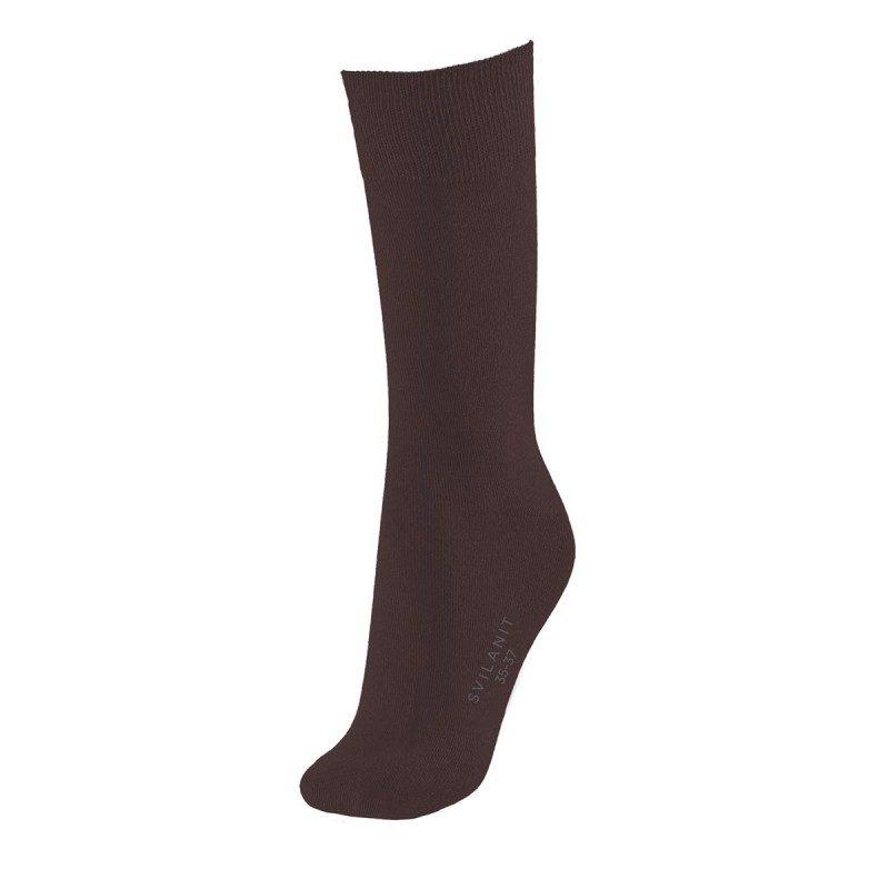 Jednobojne muške čarape su mekane i udobne za nošenje. Izrađene od kombinacije materijala, sa velikim udelom pamuka, za veću prozračenost. U veličinama: 39-42, 43-46.