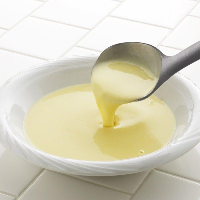 Za posluživanje supa, gulaša, čorbi ili soseva. Idealna veličina za velike porcije. Napravljena je od izdržljive i neprijanjajuće plastike i posebno je pogodna za upotrebu u posuđu sa osetljivim premazima. Udobna ručka osigurava još lakše držanje i upotrebu.