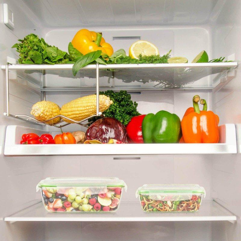 Set od 4 dela sadrži dve posude od borosilikatnog stakla, koje se smatra najtvrđim staklom, otpornim na visoke i niske temperature. Poklopci za zatvaranje garantuju nepropusnost, hrana će dugo ostati sveža i ukusna. Raznovrsna upotreba vam omogućava da zagrejete hranu u mikrotalasnoj pećnici, uskladištite je u frižideru ili zamrzivaču i ponesete sa sobom u školu, na posao ili na put. Moderan dizajn vam omogućava čak i da u njima i poslužite hranu. Jednostavno čišćenje pod tekućom vodom ili u mašini za pranje sudova.