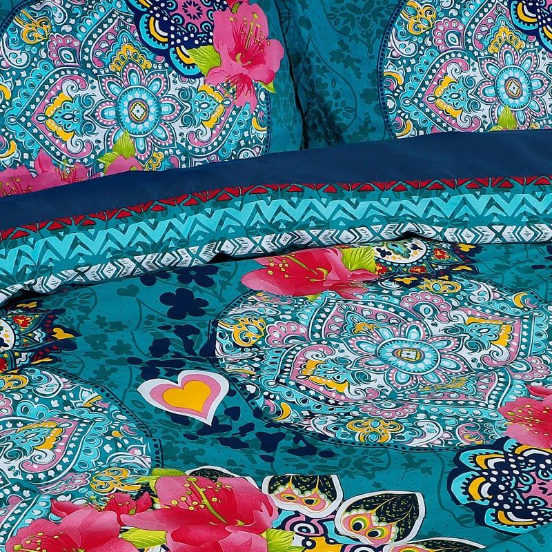 Vreme je za potpuno uživanje u modernim pamučnim posteljinama! Posteljina Aisha je satkana od visokokvalitetnog, tankog i mekanog pamučnog satena. Posteljina od satena je čudesan ukras vaše spavaće sobe, a u isto vreme odličan izbor za udoban i ugodan san. Neka vas očara klasični dizajn prestižnog izgleda. Jastuci imaju poseban rub, koji poboljšava veličanstven izgled. Posteljina se može oprati na 40 °C.