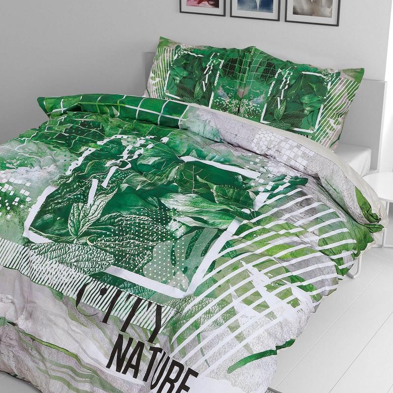 Vreme je za potpuno uživanje u modernim pamučnim posteljinama! Posteljina Urban nature je satkana od visokokvalitetnog, tankog i mekanog pamučnog satena. Posteljina od satena je čudesan ukras vaše spavaće sobe, a u isto vreme odličan izbor za udoban i ugodan san. Neka vas očara klasični dizajn prestižnog izgleda. Jastuci imaju poseban rub, koji poboljšava veličanstven izgled. Posteljina se može oprati na 40 °C.