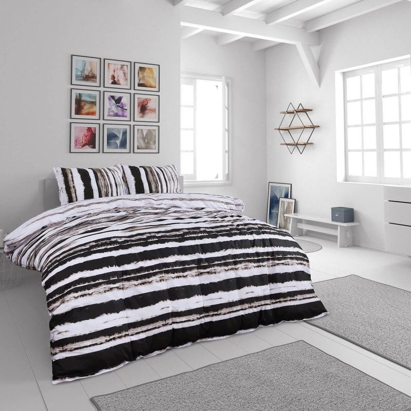 Vreme je za potpuno uživanje u modernim pamučnim posteljinama! Posteljina Svilanit Aron napravljena je od renforce platna, koje se smatra mekanom tkaninom i lakom za održavanje. Očaraće vas modernim dizajnom sa crtama. Posteljina je periva na 40 °C.