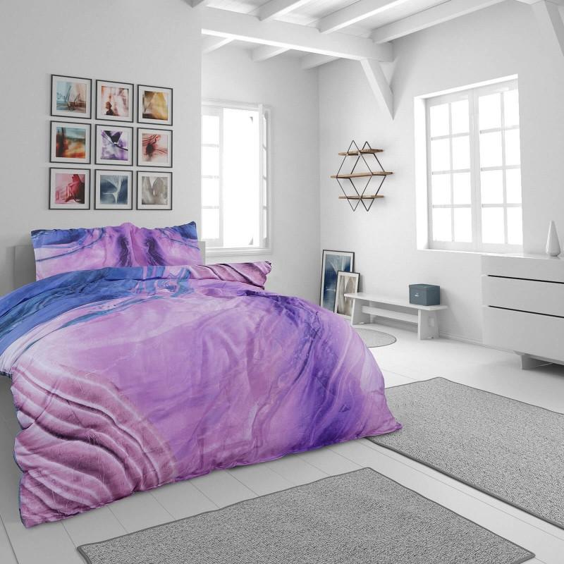 Vreme je za potpuno uživanje u modernim pamučnim posteljinama! Posteljina Svilanit Loir od mekanog pamučnog satena, koji je satkan od visokokvalitetnog, tankog tkanja. Posteljina od satena je prekrasan ukras vaše spavaće sobe, a u isto vrijeme odličan izbor za udoban i ugodan san. Posteljina je periva na 40°C.
