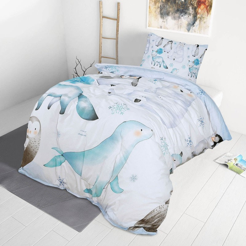 Vreme je za miran i udoban san vaših najmlađih! Pamučna posteljina sa zanimljivim dečijim motivom koji će zasigurno oduševiti decu i odvesti ih u čudesnu zemlju snova. Posteljina od renforce platna, mekane tkanine, jednostavne za održavanje. Posteljina je periva na 40 C°.