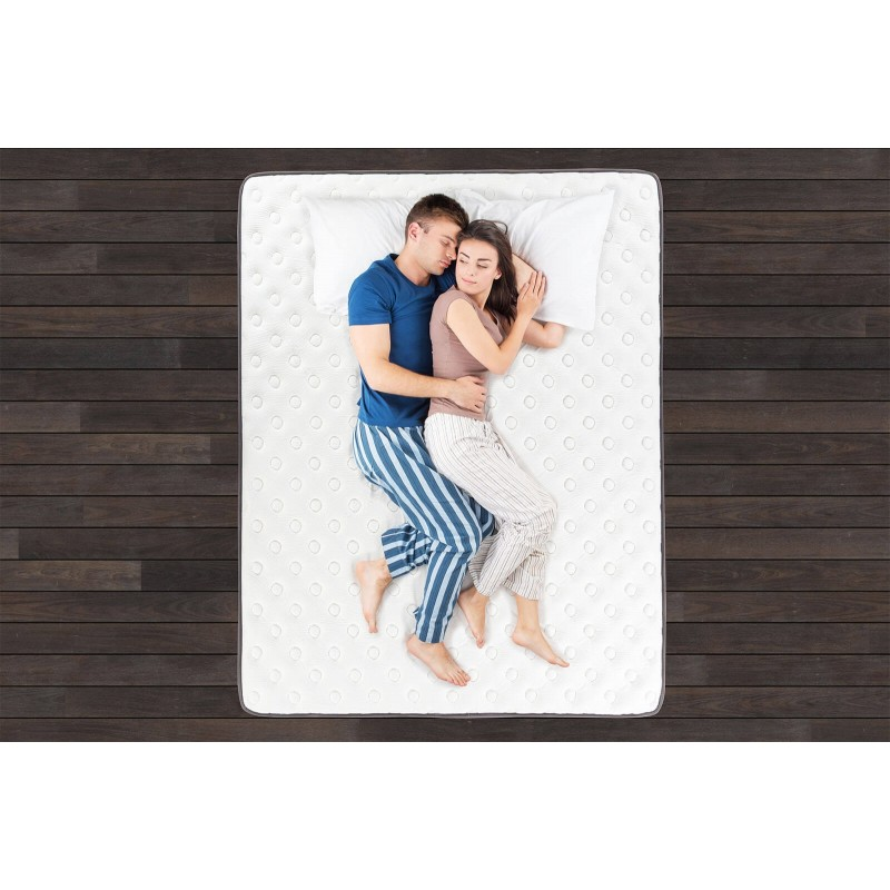 7-zonski dušek Hitex Antristress Royal visine 30 cm, pruža vašem telu potpunu podršku i udobnost, tako da ćete ujutru biti odmorni i naspavani. Nezavisne džepičaste opruge u kombinaciji sa gel memorijskom penom i hladno valjanom penom u tri sloja, osiguravaju pravilan položaj tela i opuštajući san.
