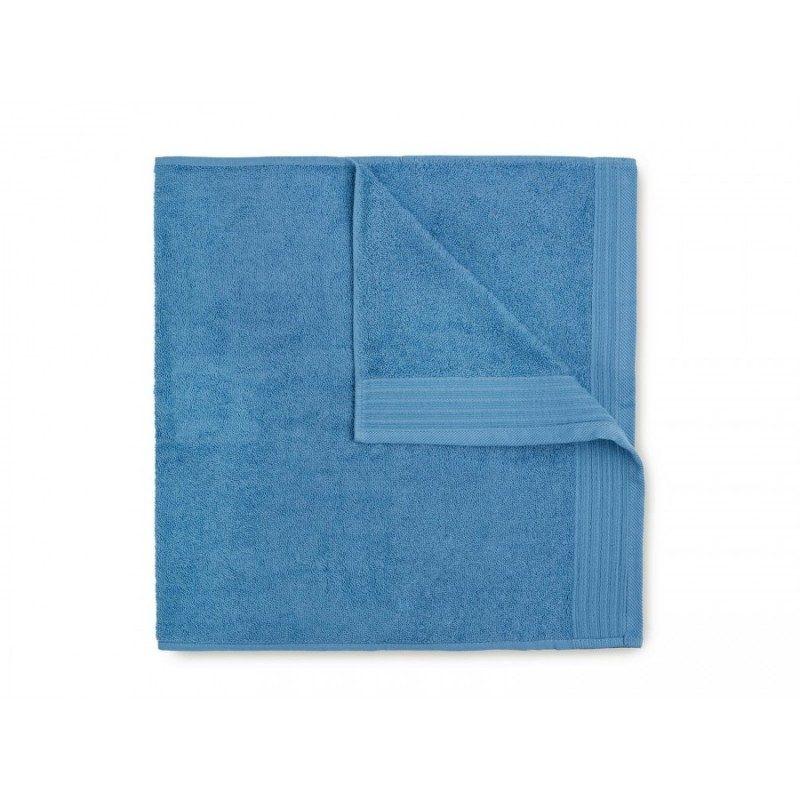 Jednobojni peškir Svilanit Prima je izrađen od visokokvalitetnog i mekog pamuka. Gusto tkani pamuk za negu kože. Plava boja.