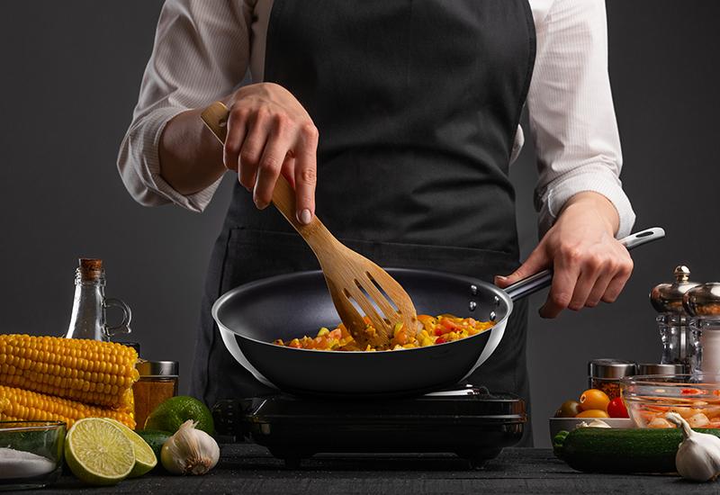 Višenamenska posuda koja ne sme nedostajati vašoj kuhinji