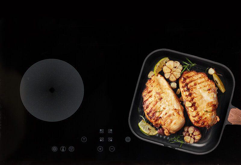 Pogodno za upotrebu na svim površinama za kuvanje, uključujući indukcionu